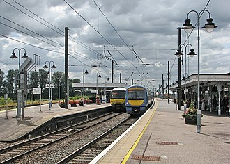 Ely railway station - Trains in the station platforms