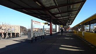 Elsterwerdaer Platz (Berlin U-Bahn) - Platform view