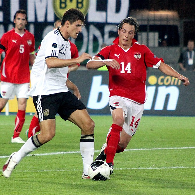 Qualifying for the UEFA Euro 2012 Austria (red...