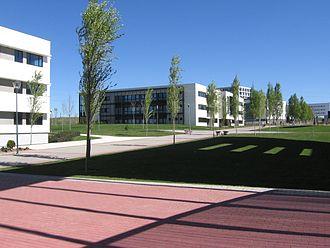 King Juan Carlos University - Image: URJC Mostoles Departamental I