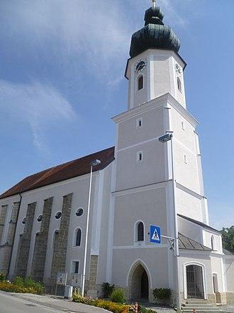 Utzenaich - Image: Utzenaich (Kath. Pfarrkirche Mariä Himmelfahrt)