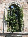 Verwunschenes Fenster - panoramio.jpg