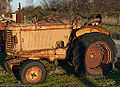 Vieux tracteur agricole - Old farm tractor (11275711543).jpg