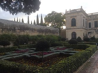 Villa Francia - Villa Francia front garden