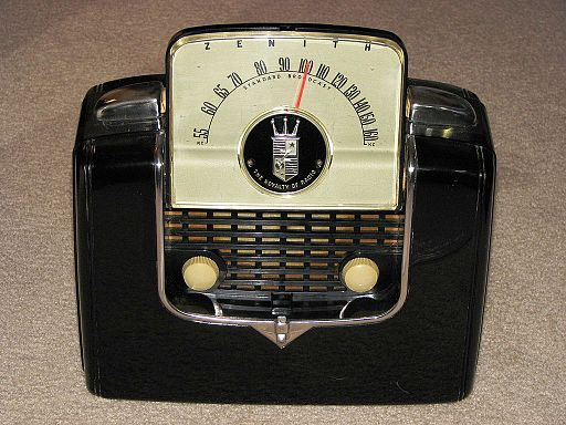 "Vintage Zenith ""Tip Top"" Holiday Portable AM Radio, Model 4G903, 4 Vacuum Tubes, Circa 1949 (8336124828)"