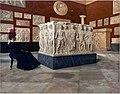 Vittorio Matteo Corcos - Visitatrice al Museo Nazionale.jpg