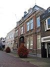 foto van Raadhuis annex post- en telegraafkantoor met dienstwoning