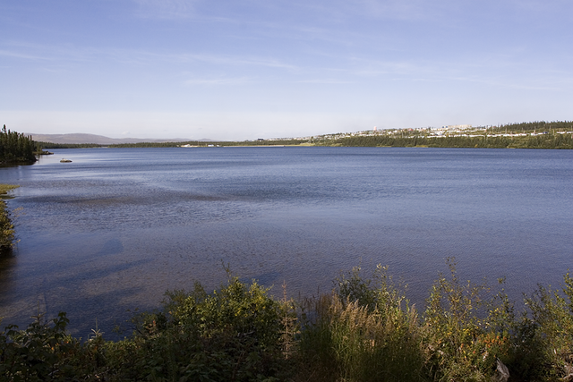 Wabush, the immiedate neighbour of Labrador City By Dan Fleet at en.wikipedia (Transferred from en.wikipedia) [Public domain], from Wikimedia Commons