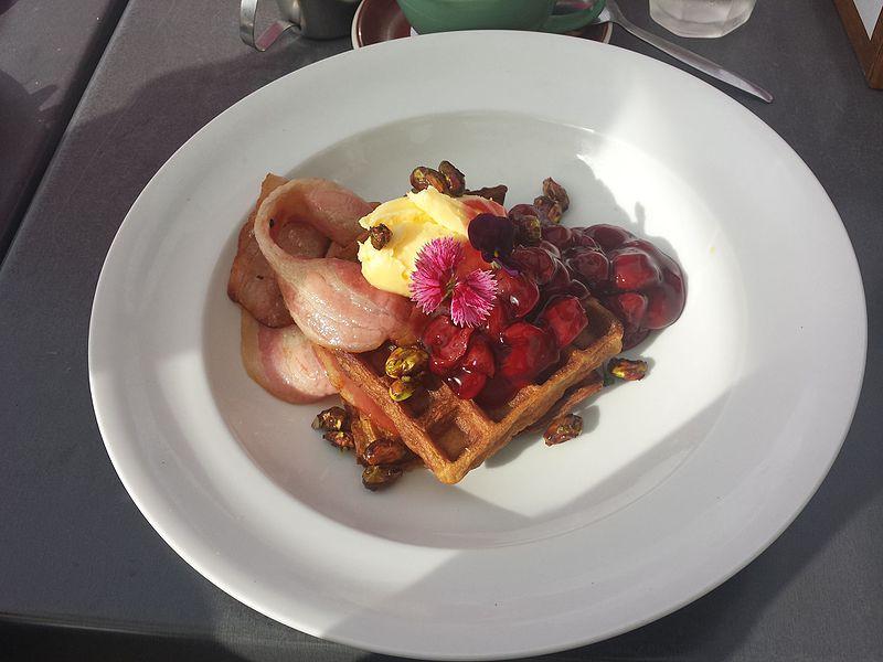 File:Waffles at hamilton gardens cafe - 2.jpeg