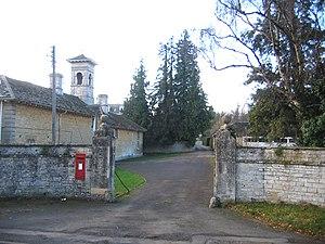 Walcot Hall - Walcot Hall entrance