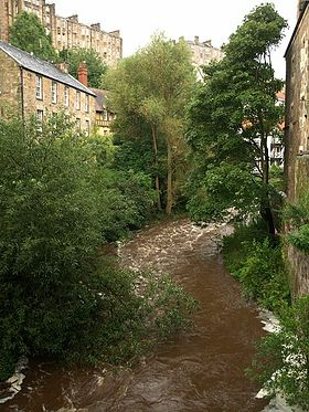 Le Water of Leith à Dean Village au nord-ouest du centre d'Édimbourg