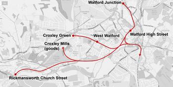 Ligne d'arc au sud-ouest de Watford Junction à Rickmansworth, avec deux embranchements en direction nord vers Croxley Green et Croxley Mills