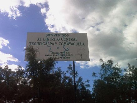 """Welcome to the Central District: Tegucigalpa and Comayaguela"" sign at the municipality's boundary Welcome to the Central District.jpg"