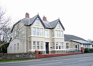 English: Wintern Day Centre Large house provid...