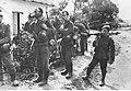 Wojska niemieckie podczas odpoczynku we wsi pod Biełgorodem (2-718).jpg