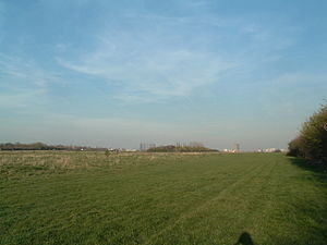 Wormwood Scrubs - Looking east from the south-western edge of Wormwood Scrubs