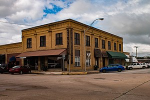 Madill, Oklahoma - Image: Worth Hotel Madill Ok (1 of 1)