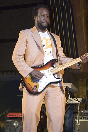Wyclef Jean - Wyclef Jean performing at a UNAIDS concert in 2006