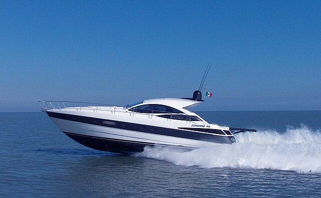 File:Yacht Pershing 46.jpg
