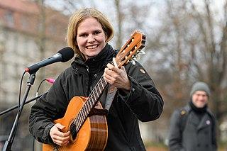 Dota (singer)