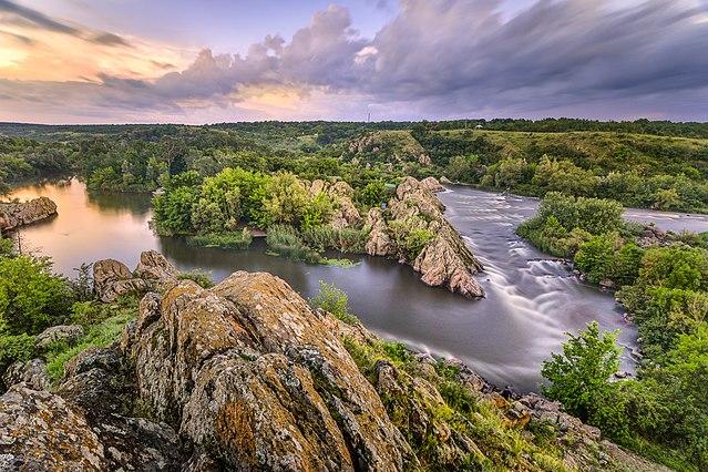 8 місце. Вечір на «Інтегралі» – річка Південний Буг. © Євген Самученко