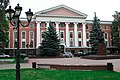 Здание с украшением центрального портала,Калининград.jpg