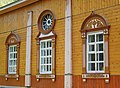 Церковь Николая Чудотворца, нач. ХХ в., фрагмент оформления фасада, улица Куликова, 90, Листвянка, Иркутский район.jpg