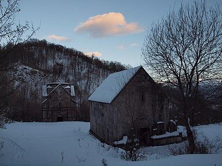 Ջուխտակ վանք, երկու եկեղեցիները, ձմեռ.JPG
