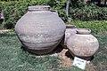 کوزه تاریخی در باغ نظر شیراز-urns in Pars Museum iran 03.jpg