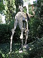020 Castell de Púbol (Casa Museu Gala Dalí), un dels elefants de potes llargues al jardí.jpg