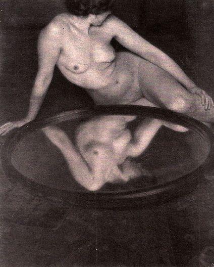 File:039- Clarence H. White, c, 1905.jpg