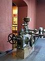 151 Museu d'Història de Catalunya, motor hidràulic.JPG