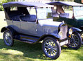 1923 Ford Model T Touring grey.jpg