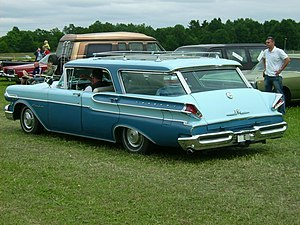 Mercury Commuter - Image: 1957 Mercury Commuter 4 door HT