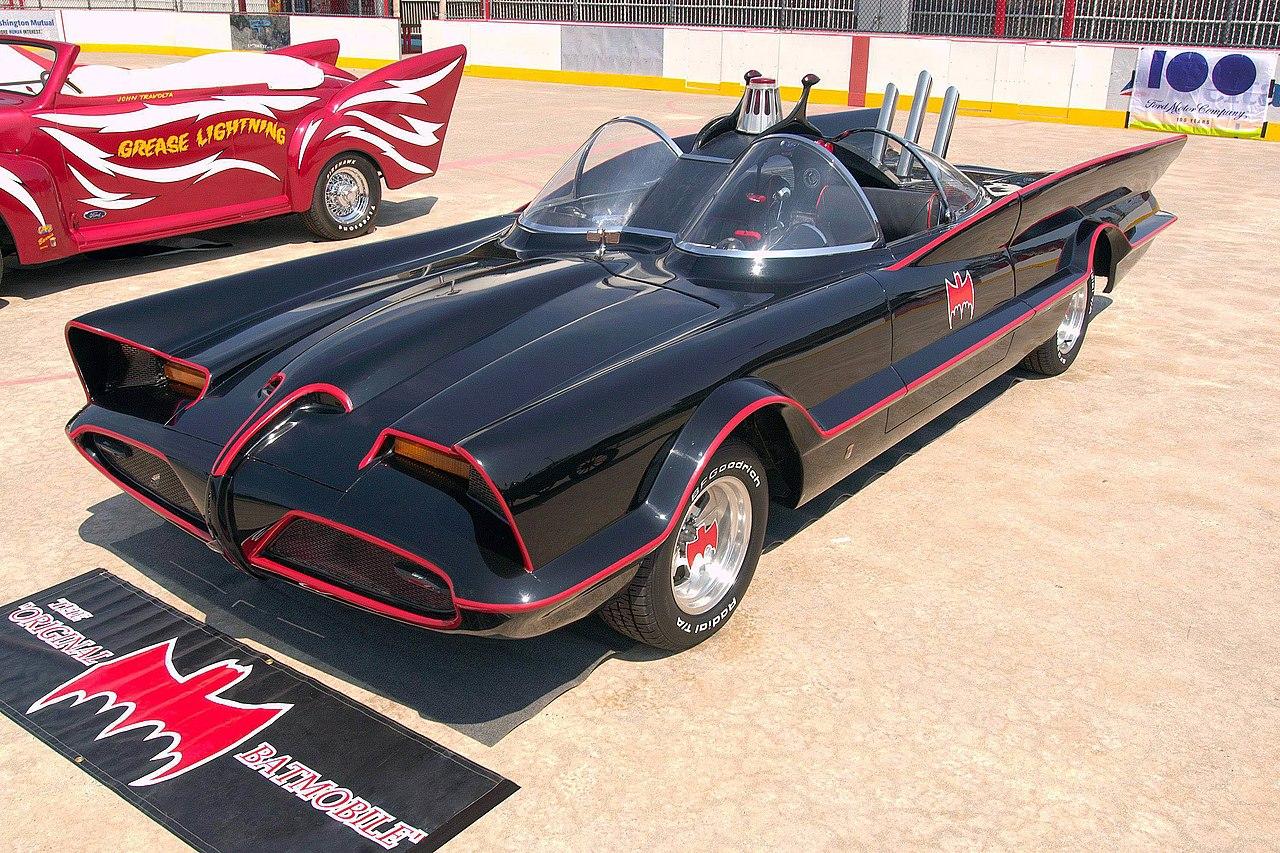 1280px-1960s_Batmobile_%28FMC%29.jpg