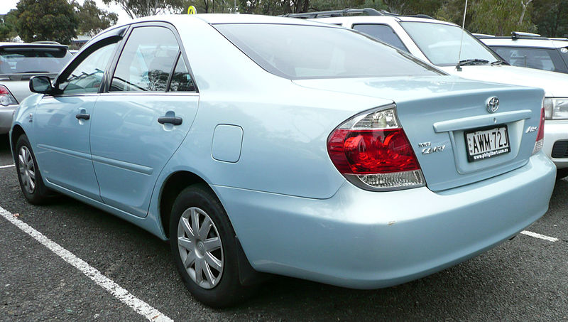 http://upload.wikimedia.org/wikipedia/commons/thumb/a/a7/2004-2006_Toyota_Camry_%28ACV36R%29_Altise_sedan_01.jpg/800px-2004-2006_Toyota_Camry_%28ACV36R%29_Altise_sedan_01.jpg