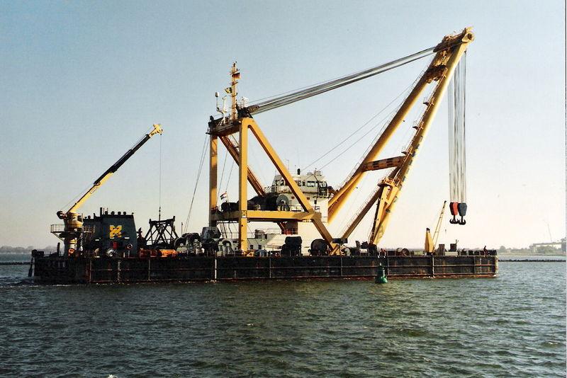 Image:2005-10-29, Stralsund, Hafen, Schwimmkran Taklift 7.jpg