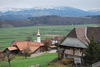 Kirchenthurnen - Kirchenthurnen church and part of the village
