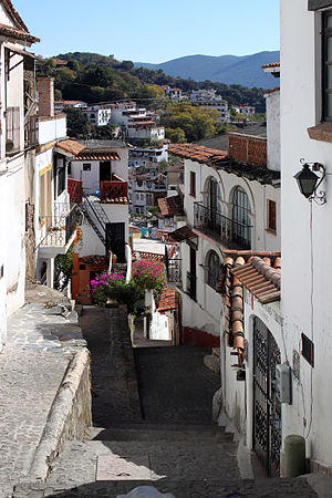 Taxco - Narrow street near the main plaza