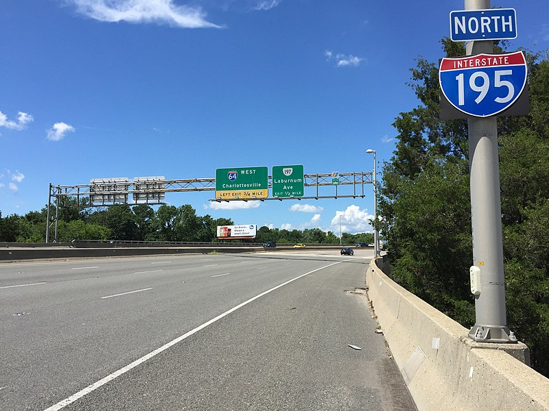 File:2017-07-07 14 42 53 View north along Interstate 195 (Beltline Expressway) just south of Virginia State Route 197 (Westwood Avenue) in Richmond, Virginia.jpg