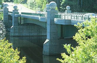 Ledyard Bridge - Image: 232 03 Ledyard Bridge