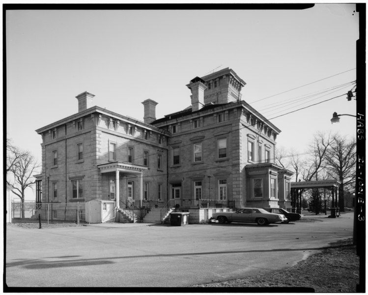 File:3-4 view of W and S elevations; looking NE. (Harms) - Rock Island Arsenal, Building No. 1, Gillespie Avenue between Terrace Drive and Hedge Lane, Rock Island, Rock Island HABS ILL,81-ROCIL,3-1-3.tif