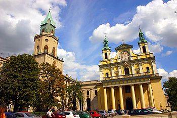 Polski: Wieża Trynitarska i archikatedra