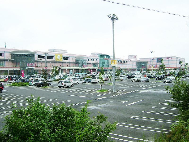 AEON Higashiura shopping center 01.jpg