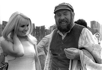 Tevye and His Seven Daughters - Shmuel Rodensky (right) on the set of Tevye and His Seven Daughters