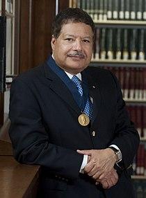 Ahmed Zewail HD2009 Othmer Gold Medal portrait.JPG