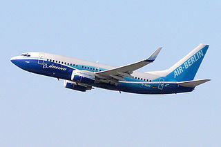 http://upload.wikimedia.org/wikipedia/commons/thumb/a/a7/Air_Berlin_B737-700_Dreamliner_D-ABBN.jpg/320px-Air_Berlin_B737-700_Dreamliner_D-ABBN.jpg