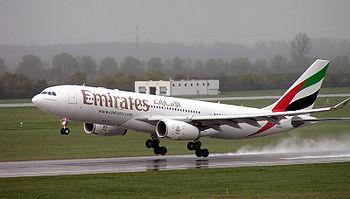 Ufficio Emirates A Roma : Paura a dubai aereo emirates in fiamme atterraggio d emergenza