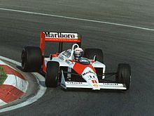 Prost impegnato nel Gran Premio del Canada 1988 alla guide della sua McLaren.