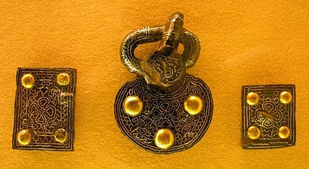 Alemannic belt mountings, from a seventh-century grave in the grave field at Weingarten Alamannischi Girtelbschleg.jpg